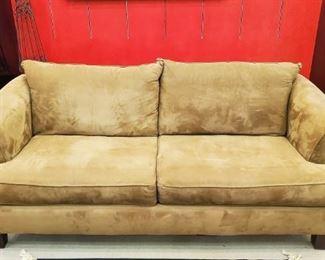 Such a nice Broyhill sofa!