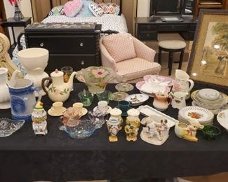 Vintage glass and decorative pieces!