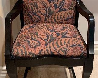 Italmond Pub Table w 5 Chairs
