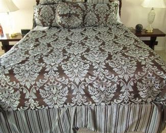 QUEEN SIZE BED WITH BRAND NEW MATTRESS AND GORGEOUS BEDDING
