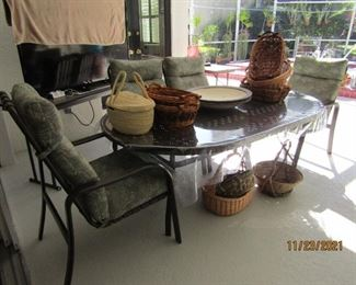 REALLY NICE OUTDOOR ALUMINUM LARGE TABLE WITH 4 REGULAR CHAIRS AND 2 END CHAIRS...