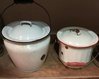 Assorted kitchen pots
