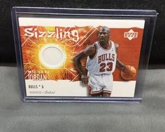 2005-06 Upper Deck Rookie Debut Sizzling Swatches MICHAEL JORDAN Bulls Jersey Basketball Card - WOW