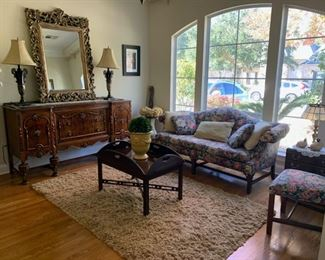 BEAUTIFUL Living Room Set for sale!!