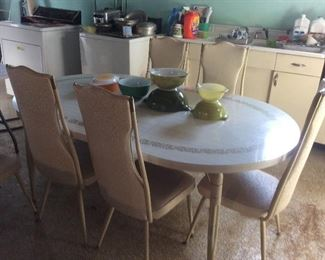 70s vintage table and chairs. Nice