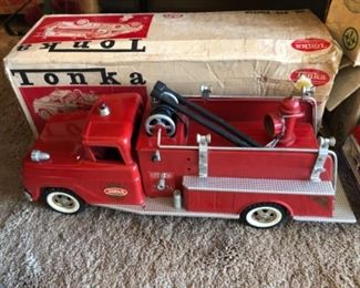 Vintage Tonka Fire Truck Pumper 926 with box