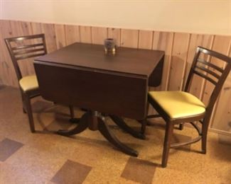 Antique gate leg table, two extra leaves not shown
