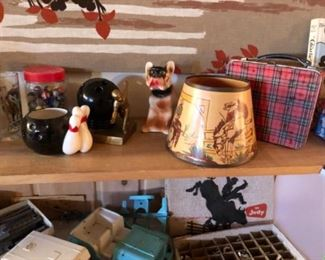Vintage toys and decore