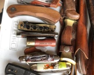 Hunting knives (dozens available)