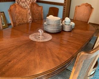 Hendredon Dining Room table and chairs