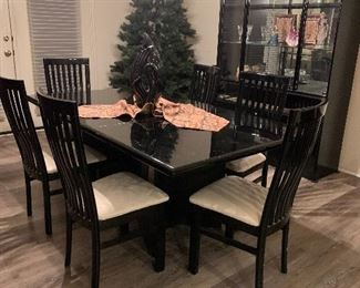 $550- Mirror Finish black lacquer table 6 chairs with two table pads