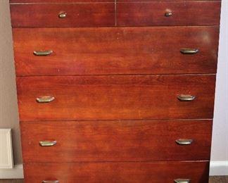 "Vintage 1930-40's Mahogany 5-Drawer Chest (48""×36""x19"")"