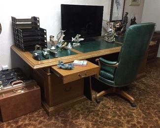 Beautiful, large desk.