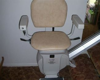 Available for pre sale, 714 499 4199. Ameriglide stairlift. 7 step lift with remote.