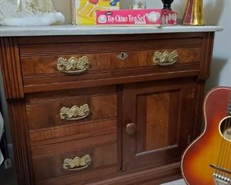 ANTIQUE WASHSTAND WITH MARBLE TOP