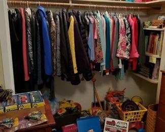 Vintage Toys, Barbie, Star War, Child Books & Clothes