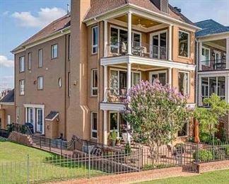 5000 square foot custom home!