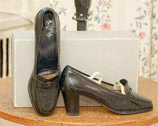 Gucci pumps black leather