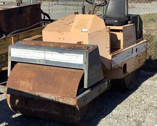 """Buyer Premium 10% BP Ser# 1099076 MFG Stone Model Wolfpac 4000 40"""" Asphalt Roller Located in: Chattanooga, TN Turns Over but will NOT Start *No Key* Hours - 1,570 Honda Gas Motor  **Sold as is Where is**"""