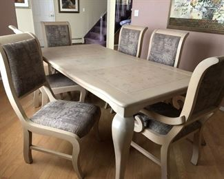 Contemporary dining table & chairs