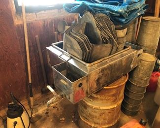 Maple Syrup evaporator, Galvanized buckets (50+) lids
