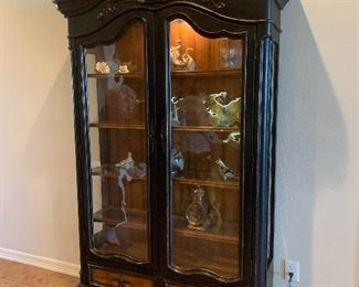 """$875-OBO ~GORGEOUS CARVED TWO DOOR HOOKER LIGHTED CHINA CABINET 4ft x 6'10 1/2"""" HT x 16""""DEEP"""