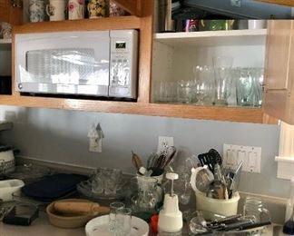 GE microwave, cups and glassware