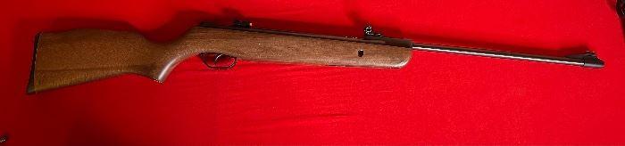 Gamo Hunter 220 .177 Pellet Air Rifle43in Long