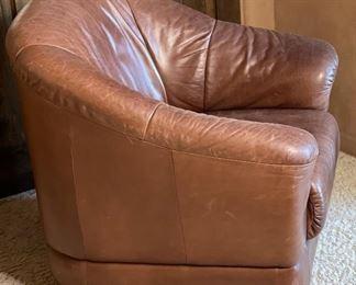 #1 Robb & Stucky Leather Club Swivel Chair32x33x33inHxWxD