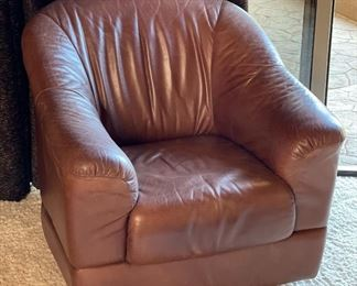 #3 Robb & Stucky Leather Club Swivel Chair32x33x33inHxWxD