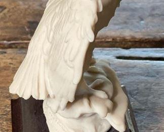 Giuseppe Armani White Resin Perched Eagle Figure4.5x3.5x3inHxWxD