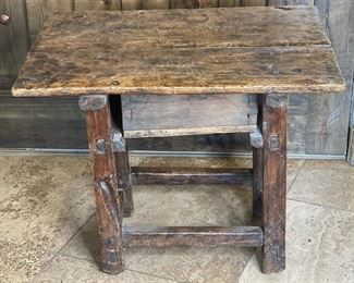 Rustic Distressed Side Table21x27x18in