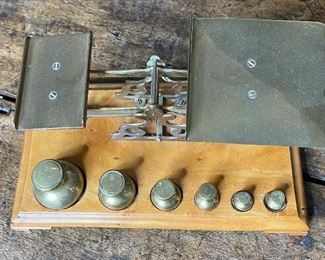 STS Antique English Postal Scale4.25x9.5x5.25inHxWxD