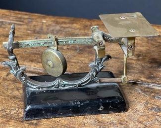 J&E Ratcliff Sliding Weight Postal Scale4x7x3.5inHxWxD