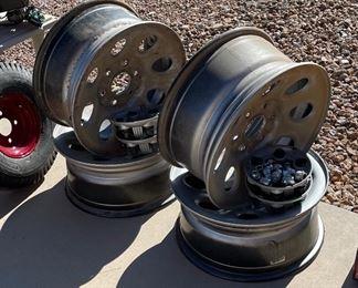 "Set of 4 6-Lug rims18 5/8"" diameter x8 5/8"" d"