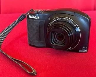 Nikon COOLPIX L620 18.1 MP 14X Zoom Digital Camera (Black)