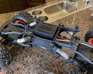 POWER DRIVE R/C 4-WHEEL DRIVE MONSTER TRUCK2.4GHZ,