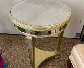 Circular mirrored and table/lampstand20in diameter x 26in tall