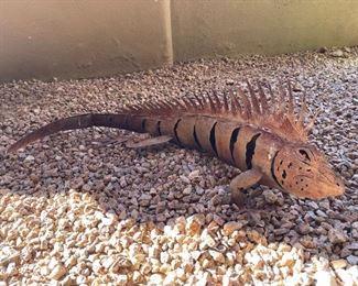 Metal iguana lizard outdoor yard Decor28in. X 12in.