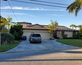 beautiful home in western Bradenton, already sold just needs to be emptied