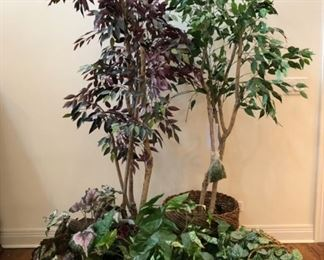 Faux/artifical trees and plants