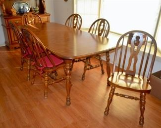 nice dining room table with 6 chairs