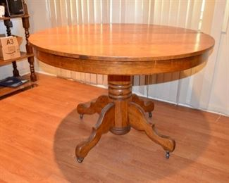 antique oak pedestal table w/2 leafs (leafs not shown)