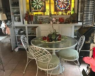 Heavy vintage white iron table with 4 chairs
