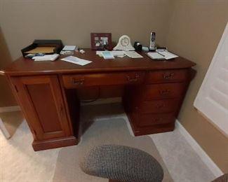 Beautiful computer desk