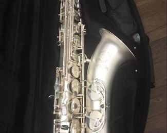 Canonball Tenor Saxophone (Salt Lake City) Serial #160759, Like new, comes with case Big Bell Stone Series, Pro tenor model T5-S ICE S, with polished silver keys with the silver sand blasted body and bell.