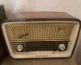 Grundig Telefunken Model 5253W 1957 radio