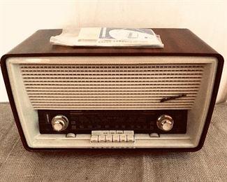 Blaupunkt Sultan radio Model 20203 short wave radio, German