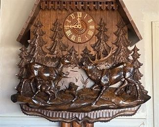 Very large Black Forest cuckoo clock with music original Schwarzwälder Kuckuckuhren