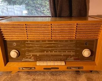 1950s Grundig Majestic tube radio Model 3095 in woof case and Bakelite handles and buttons